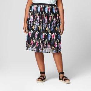 AVA & VIV Plus Size Pleated Floral Skirt